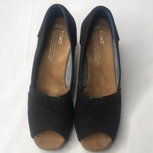 TOMS CLASSIC WEDGE BLACK LINEN WITH CORK WEDGE